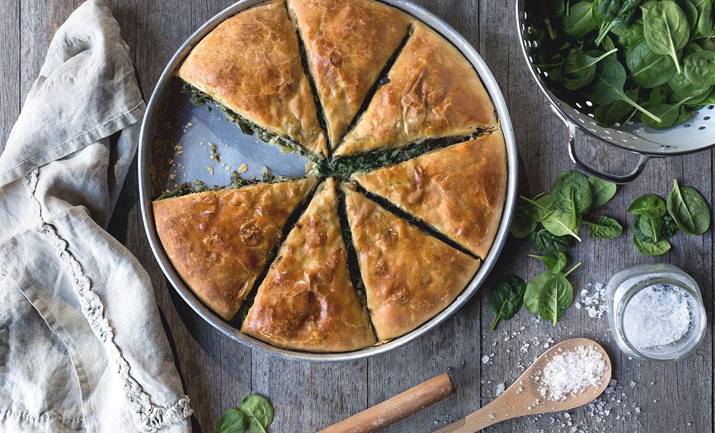 Χειροποίητη Σπανακόπιτα στο Ταψί - Handmade Baked Pies